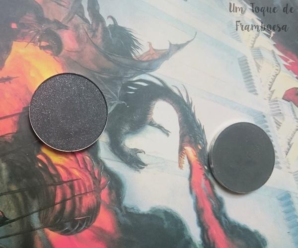 Resenha das sombras unitárias contém 1g Color me Black Glow brilho intenso e Preto opaco