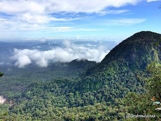 Gunung Salak 2211 MDPL via Cidahu , Kecil Kecil Cabe Rawit (Ajiiiiiib pokoknya !)