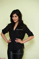 Shruti Haasan Looks Stunning trendy cool in Black relaxed Shirt and Tight Leather Pants ~ .com Exclusive Pics 020.jpg