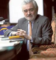 Darío Villanueva, Director de la RAE, nos dice cuál es el mayor enemigo del español