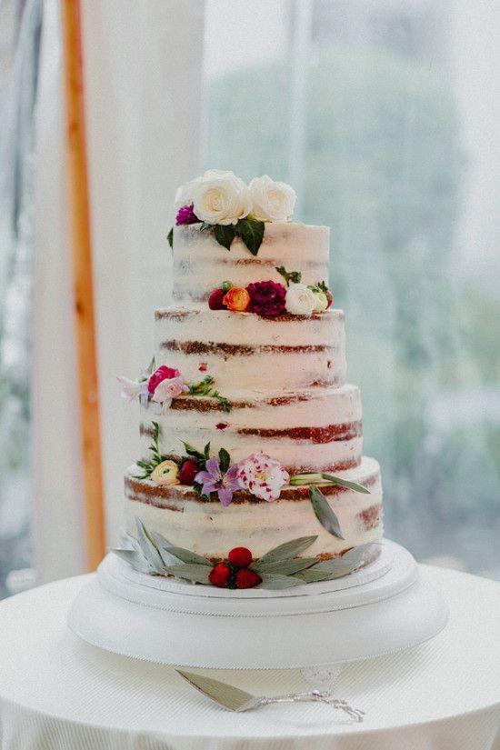 Ślub w stylu Boho, Wesele w stylu Boho, Ślub Bohemian, Planowanie ślubu w stylu Boho, dekoracje ślubne boho, nacked tort weselny, tort weselny w stylu boho