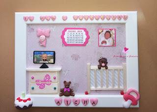 Quadretto da bimba per il primo compleanno con decorazioni tridimensionali fatte a mano in fimo