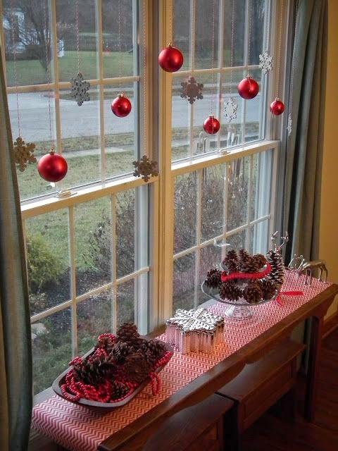 decoraci n de ventanas para navidad mimundomanual On decoracion navideña para ventanas y puertas