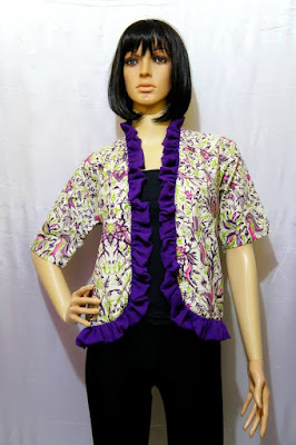 Contoh Model Cardigan Batik Modern Pendek