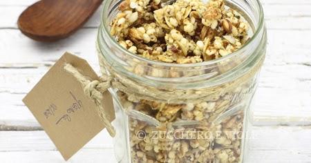 Granola al cocco con cereali e semi