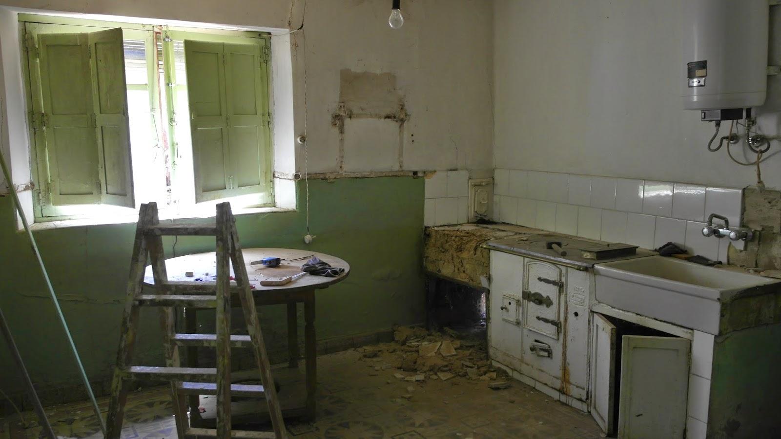 Tus obras de reformas tejados pinturas chimenea francesa - Casas reformadas antes y despues ...