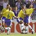20 éves Roberto Carlos legendás szabadrúgása