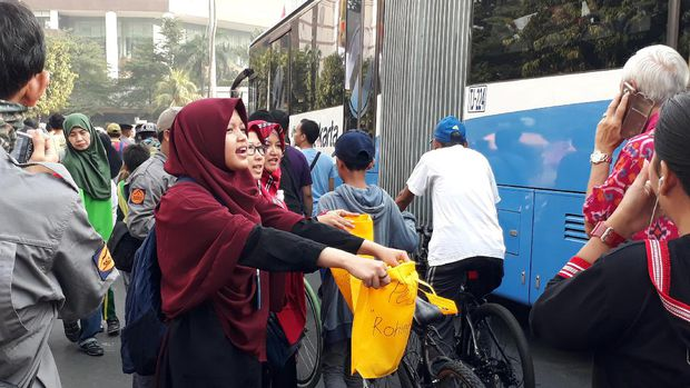 Sejumlah Komunitas Gelar Teatrikal di Bundaran HI, Terkait Peristiwa Rohingya