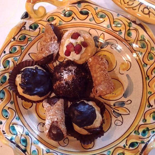 dolci-siciliani-cannoli-crema