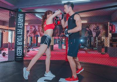 tập boxing với HLV chuyên nghiệp