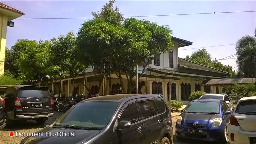 Masjid dan Parkiran