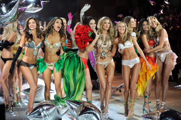 Victoria's Secret Fashion Show 2012 /2013 Sorprendente