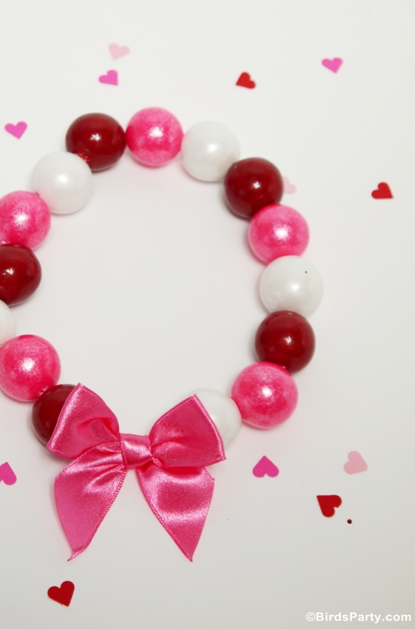 DIY Valentine's Day Gumball Necklaces - BirdsParty.com