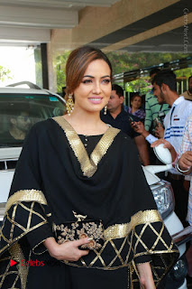 Bollywood Actress Sana Khan Launches Aakrithi Exibition  0048.JPG