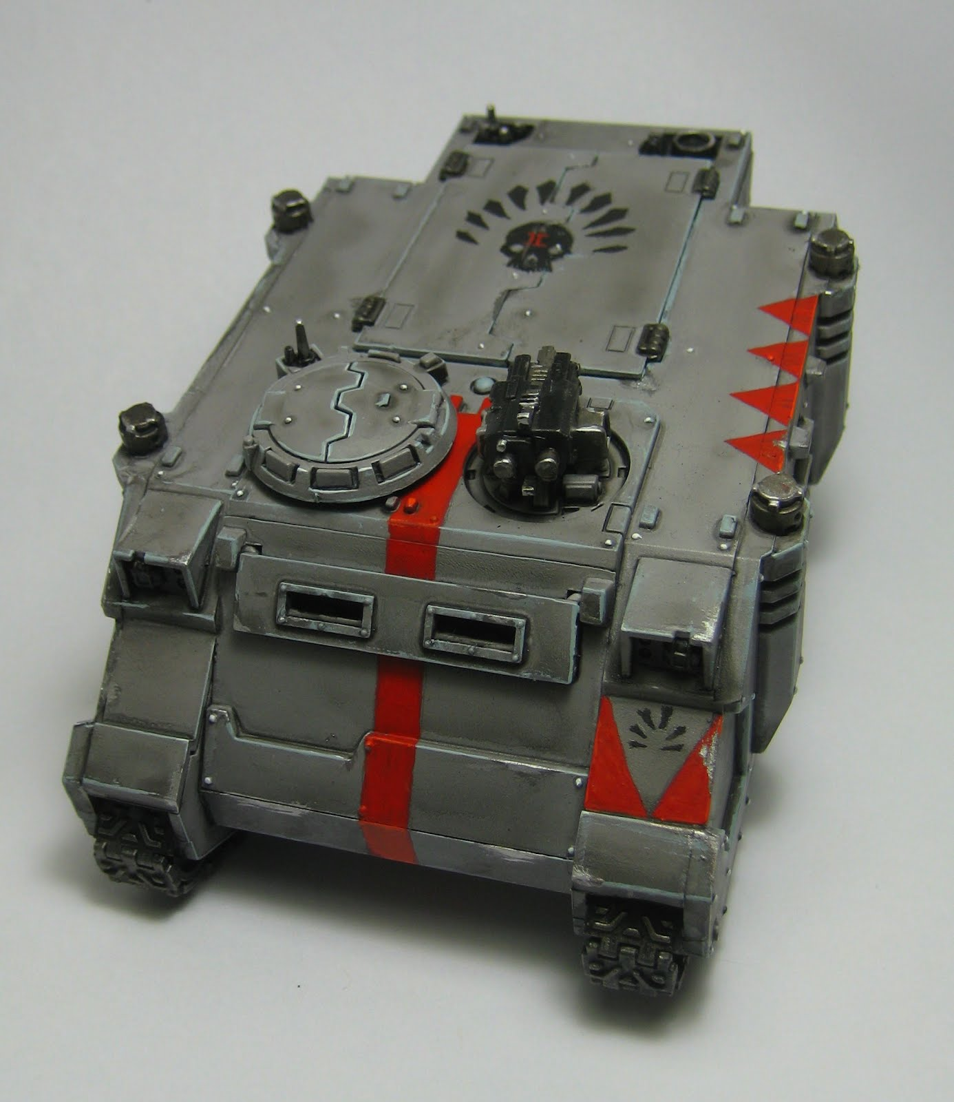 I didnt get a shot of the side door with the shark emblem but the symbol on the top hatch is copied from the forge world space sharks transfer sheet
