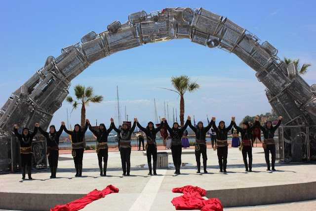 Το «Πυρρίχιο Πέταγμα» είναι το μνημείο Γενοκτονίας του Ποντιακού Ελληνισμού στον Πειραιά
