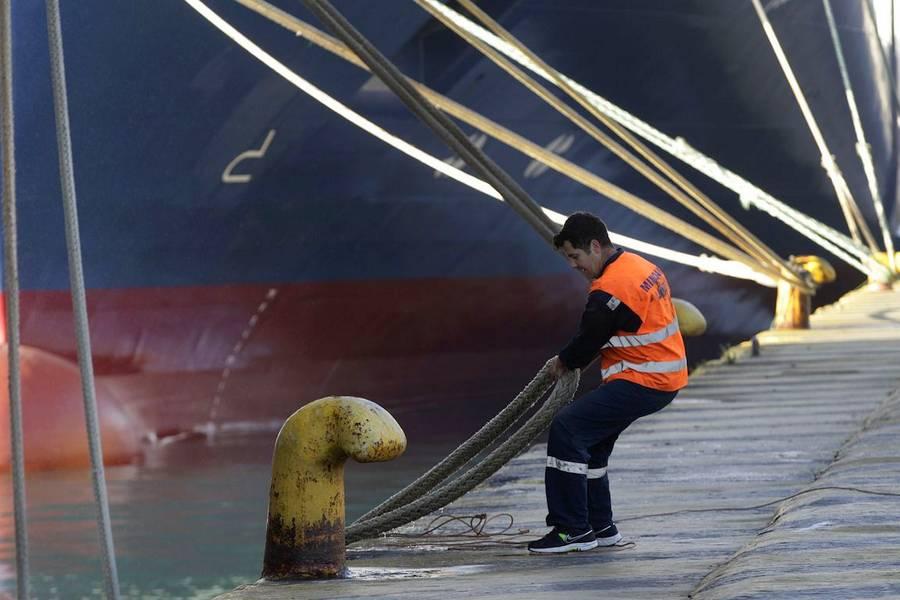 Λύνουν κάβους τα πλοία - Πρόεδρος ΠΝΟ: Τα προβλήματά μας δεν λύθηκαν