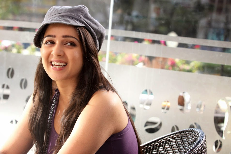 Charmy Kaur: HIGH RESOLUTION PICTURES
