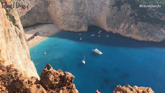 Ποτέ πριν ένα ναυάγιο δεν άφησε πίσω του τόση ομορφιά... (βίντεο)