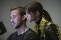 Blade Runner 2049 Ana de Armas and Ryan Gosling Image 2 (5)