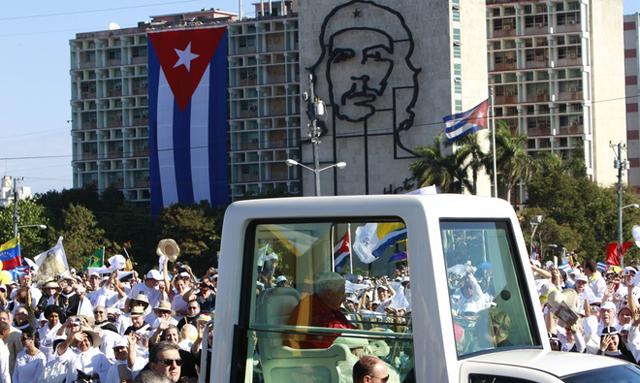 """Ngày cuối cùng ở Cuba, Đức Giáo Hoàng Biển Đức XVI nói """"Cuba cần phải thay đổi"""""""