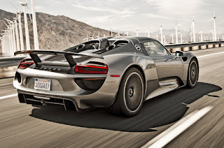 supercars buatan anak perusahaan dari Volks Wagen ini juga memiliki mobil canggih hibrid  Spesifikasi Porsche 918 Spyder