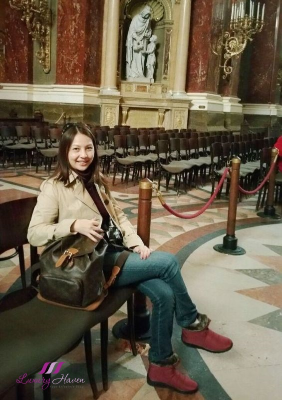 celebrity blogger reviews budapest st stephen basilica