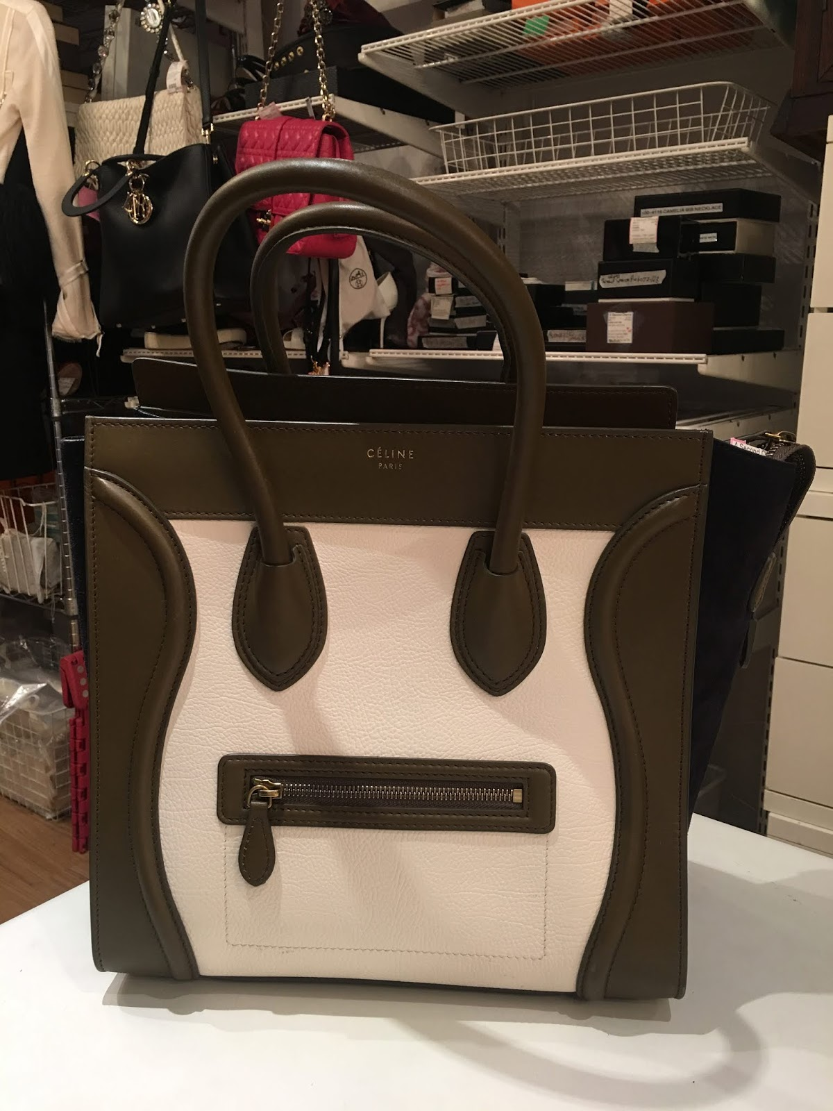 87d8f52101c the color and ostrich leather of this Hermes bag is all 😍