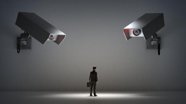 يعتقد 33% عمال التكنولوجيا الكبار أنهم يتعرضون للتجسس - هل يجب أن نكون أكثر اهتمامًا؟
