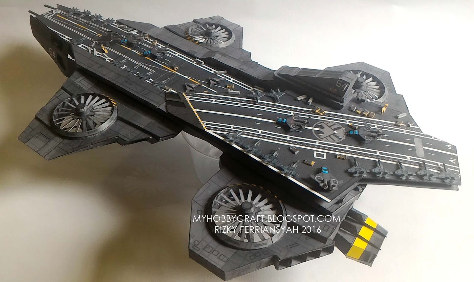 S.H.I.E.L.D HELICARRIER 1:800 (FINISHED MODEL)