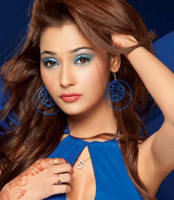 image of sara khan