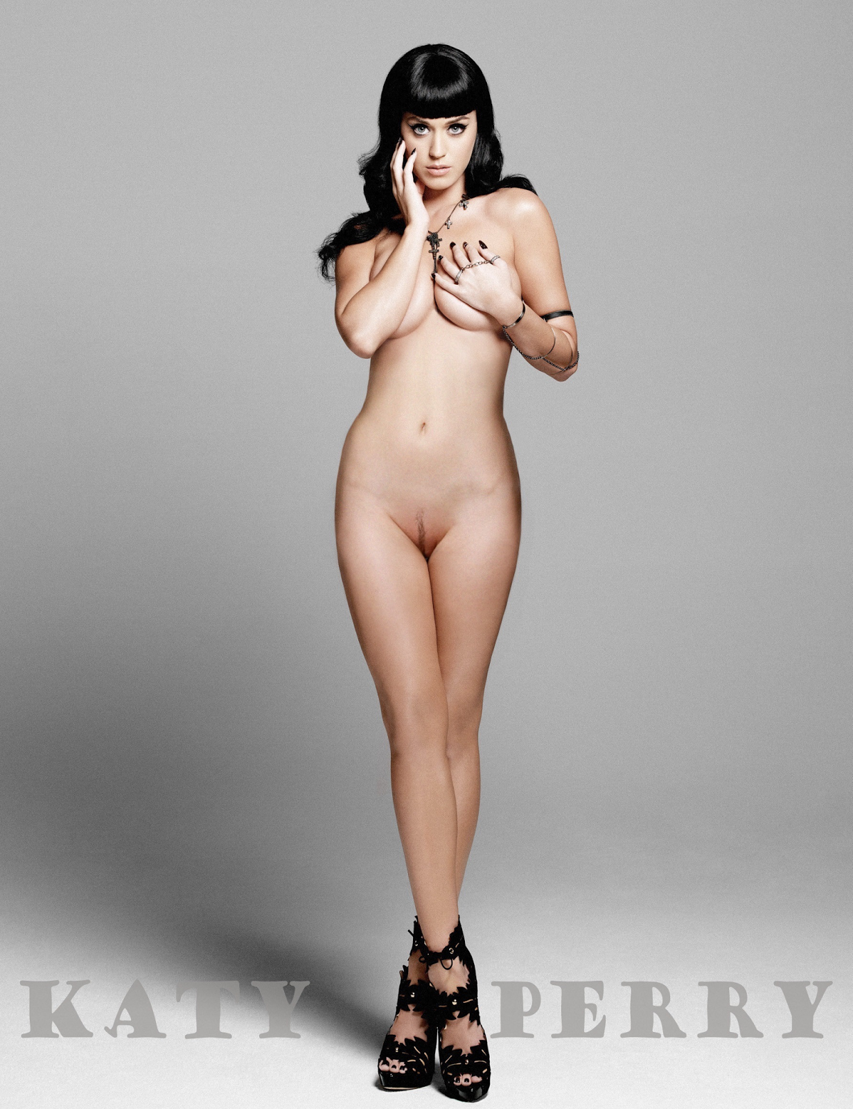 Katy Perry Standing Nude Showing Shaved Pussy