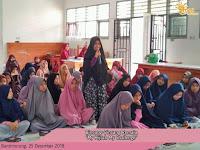 Bincang-Bincang Remaja di Ruang laboratorium teknik gambar bangunan (TGB) SMK Negeri 2 Maros