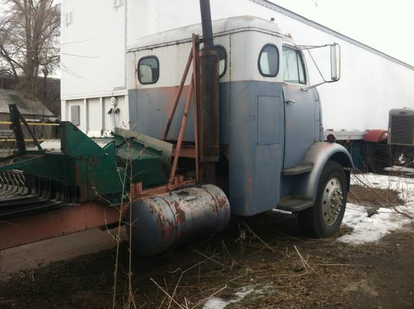 1956 GMC Cannonball Tractor Truck - Old Truck