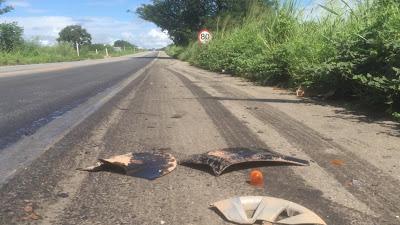 Acidente entre carro e caminhão deixa três mortos na BR-116, em Milagres