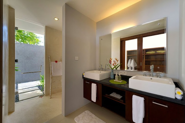 Picture of modern bathroom furniture in the cliff villa