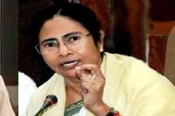 ममता बनर्जी ने दी गुजरात की जनता को जीत की बधाई, बोलीं, 2019 में मोदी होंगे क्लीनबोल्ड