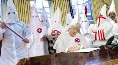 http://www.spiegel.de/politik/ausland/donald-trump-und-die-neonazis-amerikas-geisterstunde-kommentar-a-1162866.html