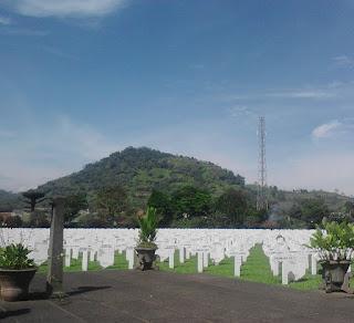 view pemakaman