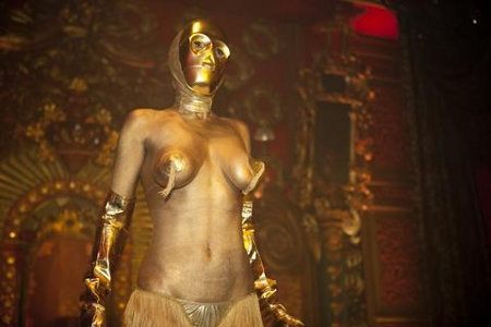 C3Po body paint gold breasts