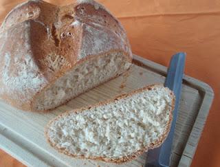 pan cocido en recipiente cerrado
