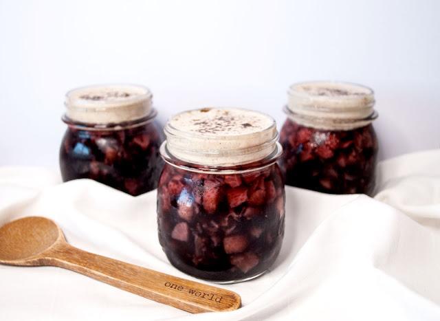 jelly, jello, recipe, strawberry, activated, charcoal, beneva, black, water, agar agar, schweiz, rezept, healthy, vegan, coconut, cream, vanilla