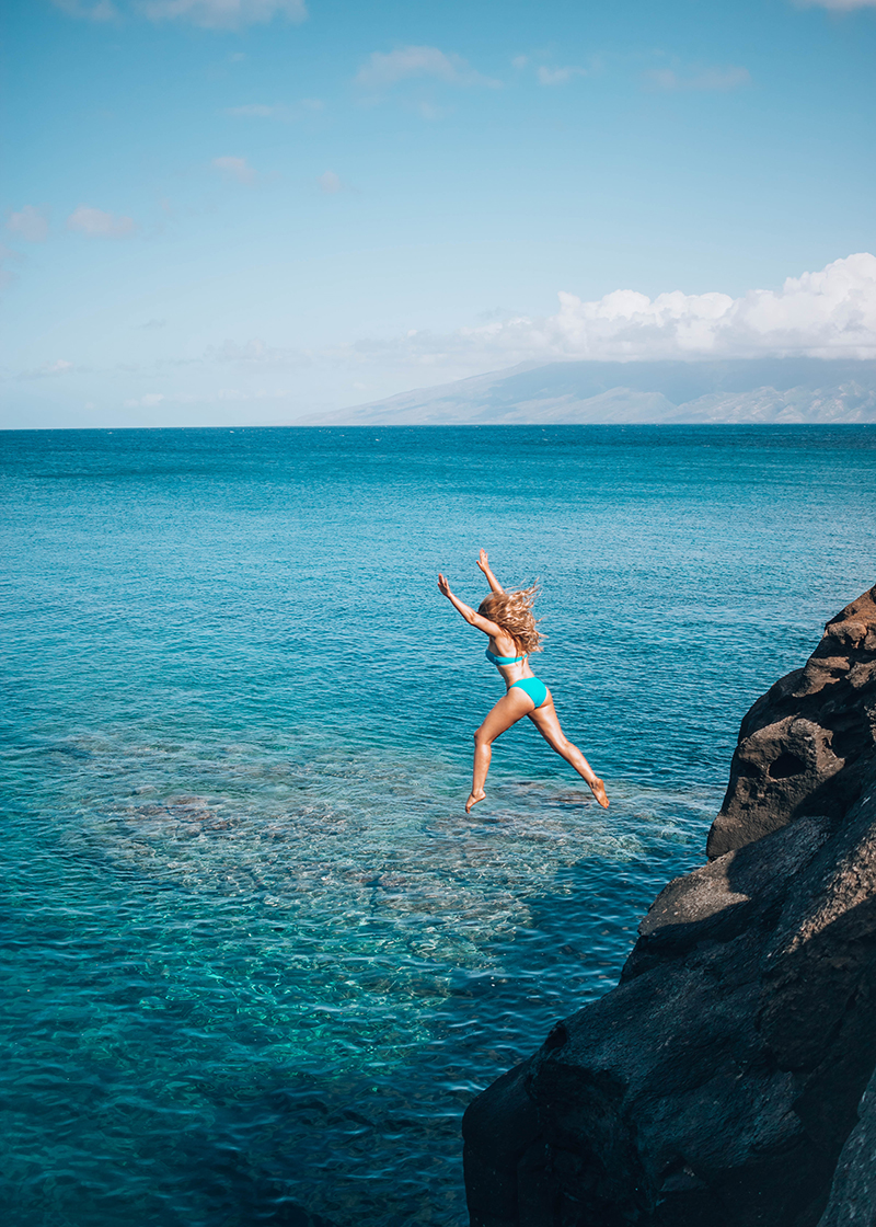the best cliff diving in hawaii, hawaii cliff jumping, hawaii swimming