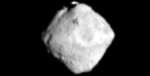 "A picture of the asteroid ""Ryugu"" taken by the Hayabusa 2 probe from about 100 kilometers away (Provided by JAXA)"