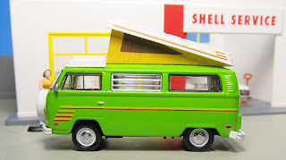 GreenLight Volkswagen tent camper bus