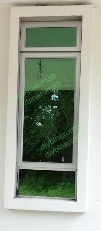 Hari Sahaja Diperlukan Frame Tingkap Ini Siap Dibuat Di Kedai Cermin Setelah Saya Menempah Selepas Kerja Mengikat Bata Selesai Ukuran Perlu