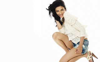 Shruti Hassan FB Cover Images
