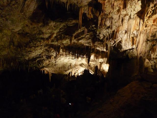 Foto del interior de las Cuevas de Postojna. Eslovenia. Ruta en autocaravana. Caravaneros