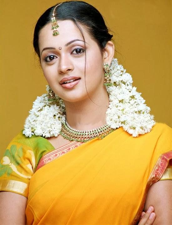 Malayalam actress Bhavana Latest hot spicy stills Photos