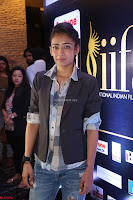 Akshara Haasan in Denim and Shirt with Jacket at IIFA Utsavam Awards press meet 27th March 2017 23.JPG